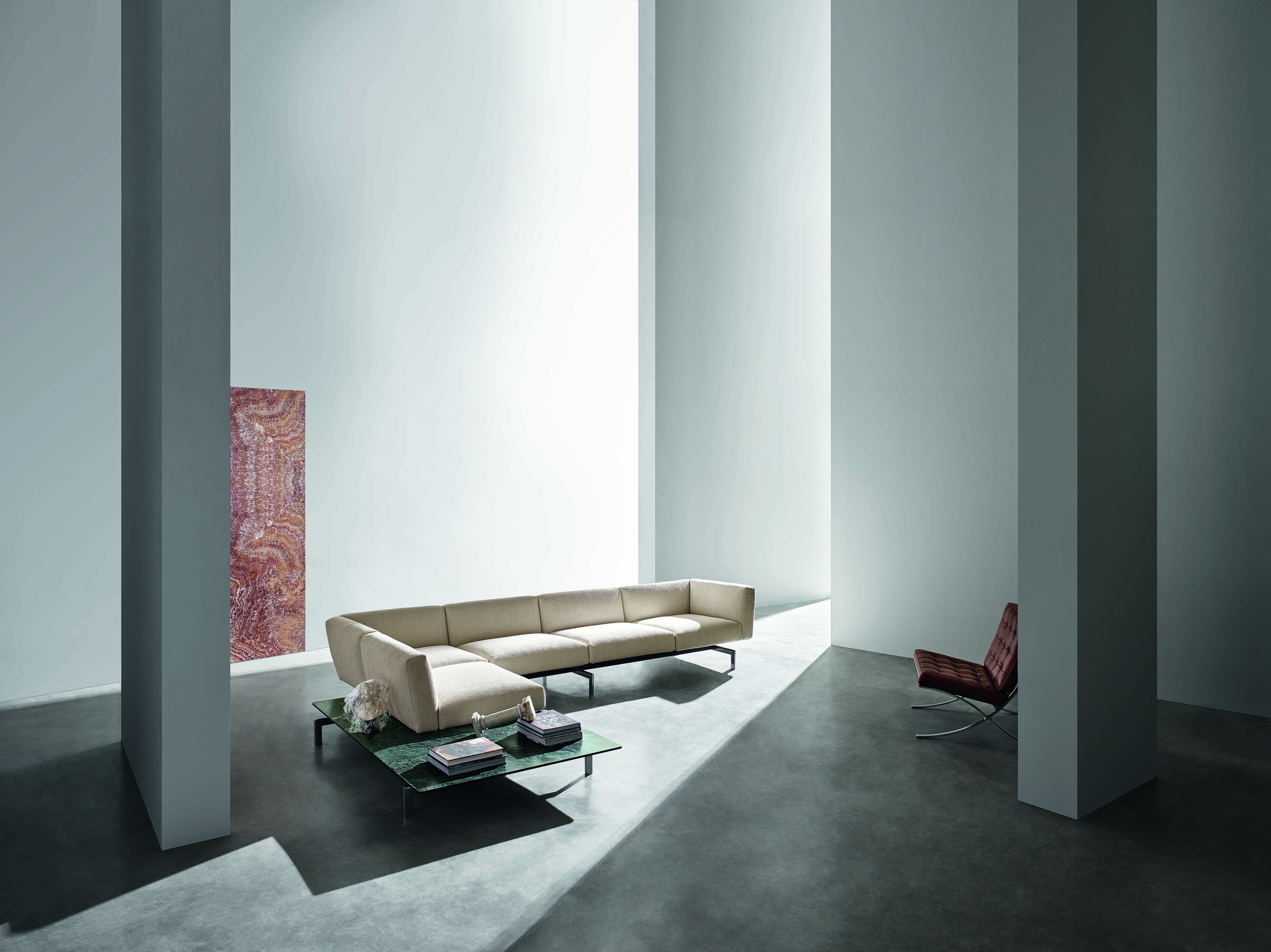 This sofa system can reinterpret and improve the use of any type of space.