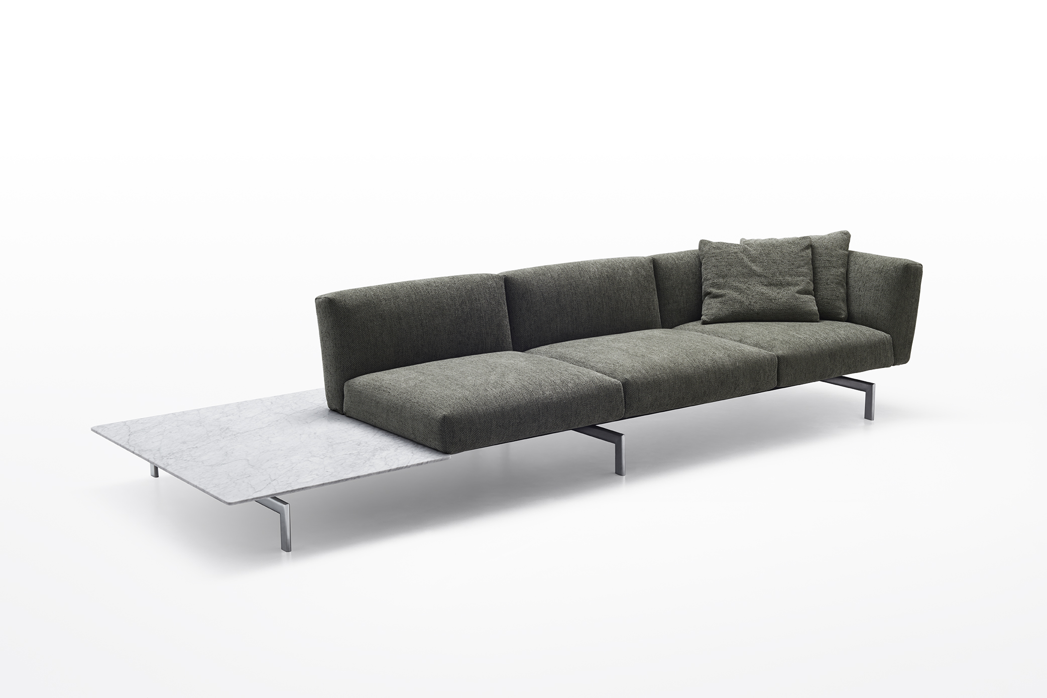 Avio is an elegant, yet relaxed sofa system designed by Piero Lissoni.