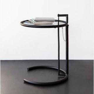 Classicon Adjustable Table Adjustable Table, Zwarte versie: frame in zwart, blad in helder glas by designer:Eileen Gray