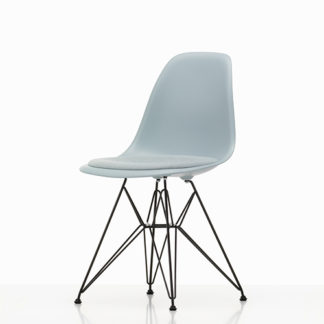 Vitra Eames plastic chair Eames plastic chair stoel mint/ivoor by designer:Charles & Ray Eames