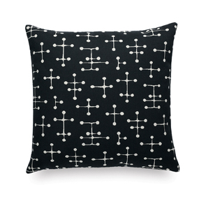 Vitra Classic Maharam Pillows small dot pattern, zwart by designer:Charles & Ray Eames