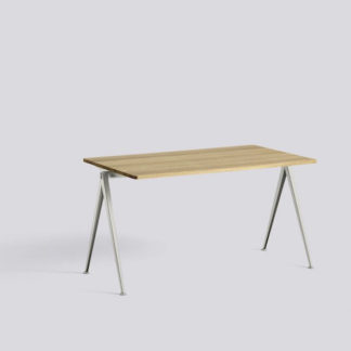 Pyramid Table 01Pyramid Table 01 - bureau - topblad eik mat, structuur beige