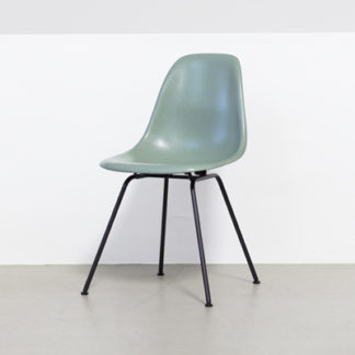 Eames Fiberglass Chair (DSX)Eames Fiberglass Side Chair DSX - sea foam green