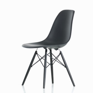 Eames Plastic Side ChairEames Plastic Side Chair stoel zwart